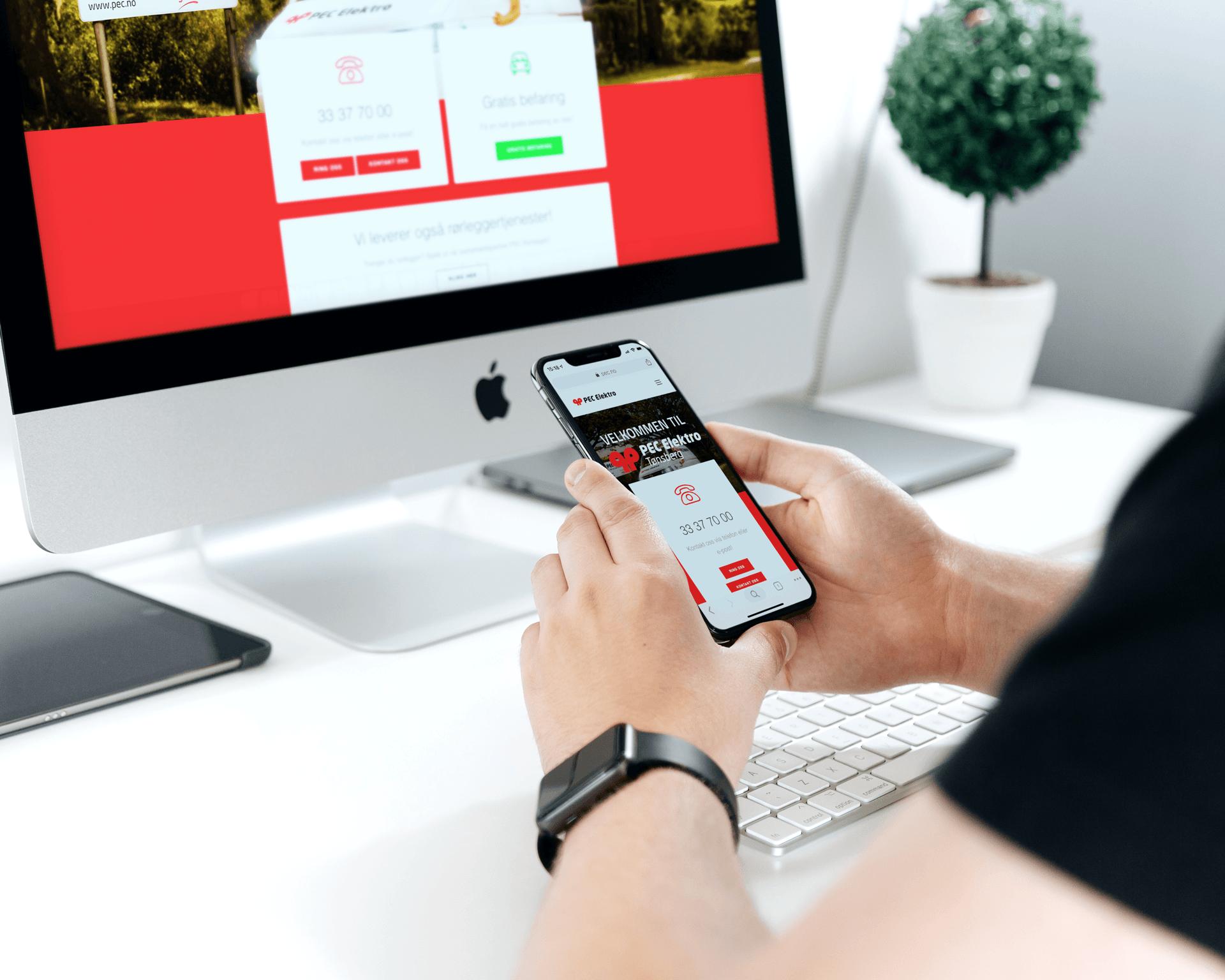Hjemmeside på mobil og desktop